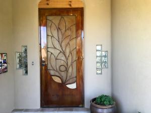 vine screen door
